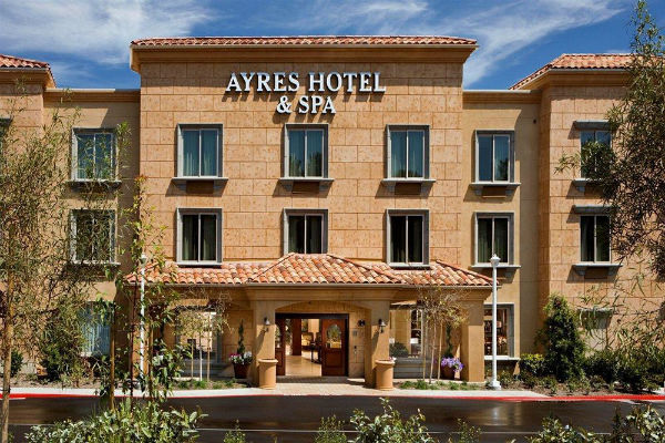 Ayres Hotel Mission Viejo Wedding Venue
