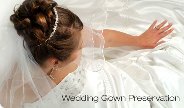 Tips preserving your wedding gown wedding venues in for Wedding dress preservation company